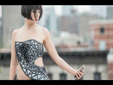 科學家研製智能裙子,手機滑越兇,衣服就會變越透明喔!