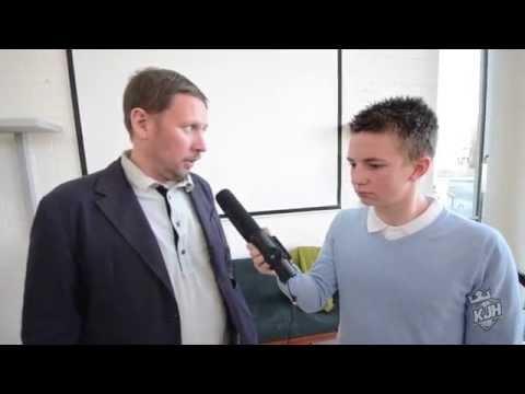 KJHTV haastattelee: Paavo Arhinmäki tekijä: KJH TV