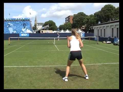 Caroline Wozniacki practicando en Eastbourne 2009