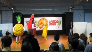 Cartoomics cosplay - Just Dance 2014: l'ananas, la banana, l'anguria e la fragola