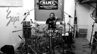 Video Different Values - studio report - making drums