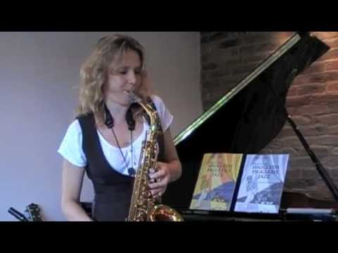 sax alto impro - Fun instruction video with Sophie Freeman for beginners. Like the tune and want to play more? Follow the link http://www.elenacobb.com/music-book2.html Sophi...