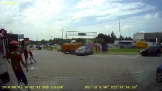 Chciał tylko umyć szybę! Ostra walka pracownika stacji benzynowej z 4 typami w Lublinie!