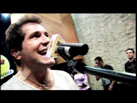 "Daniel canta ""A Jiripoca vai piá "" no Estúdio Transamérica HITS"
