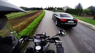 Nie będziesz mnie ch**u wyprzedzał! Janusz z Audi kontra ogarnięty motocyklista