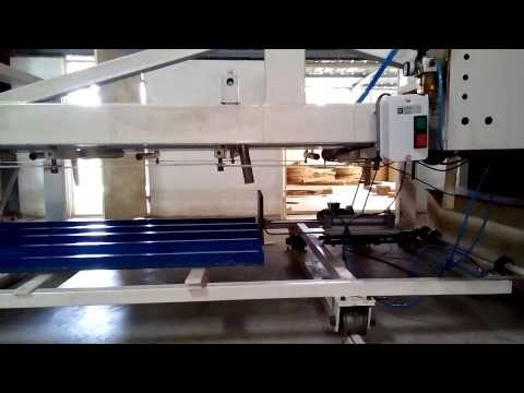AUTOMATIC ROOF SHEET STACKING MACHINE