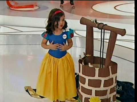 LORENA TUCCI COMO BRANCA DE NEVE NO PROGRAMA DA ELIANA SBT 25/10 /2009