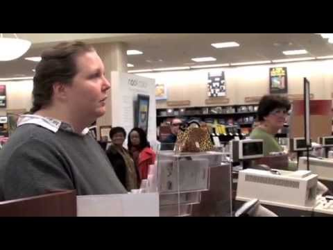 Crazy Chick Flips Out in Barnes & Noble