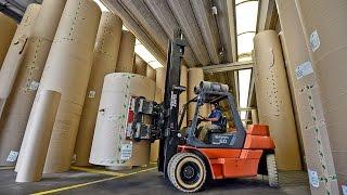 São Paulo - O Ibovespa operava em leve alta na manhã desta quinta-feira. Entre os destaques positivos estão as ações das exportadoras, Suzano, Fibria e Klabi...