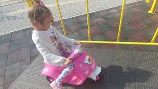 Elif ve babasının park keyfi, saklambaç, oyunlar eğlenceli çocuk videosu