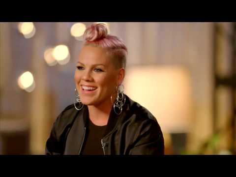 Christina Aguilera & P!nk together in #TheVoice