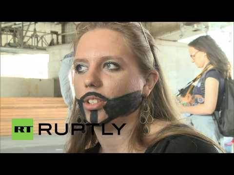 Протест за права геев в Москве не удался