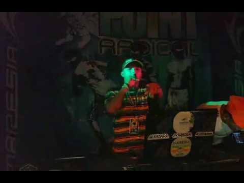 DJ Duzinho Marley tocando em flexeiras-al  beco bar