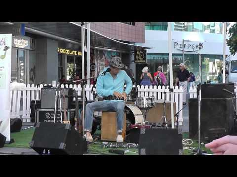 Juzzie Smith | Broadbeach Blues 2012 - 1/2