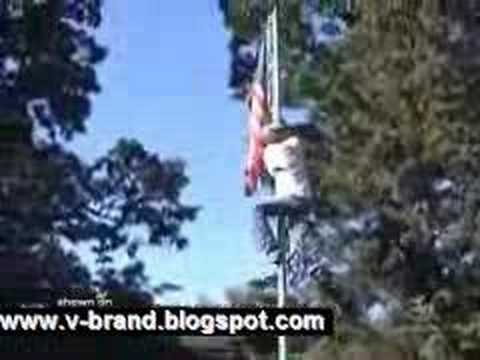 Flagpole climber loses his pants