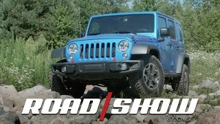 Watch the 2016 Jeep Wrangler Rubicon rock it topless by Roadshow