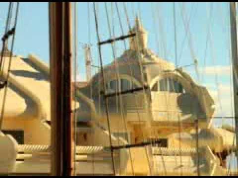 Benalmádena Puerto Deportivo. Arquitectura de la Marina Video