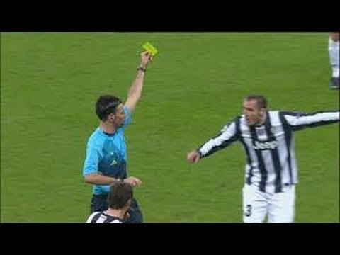 Chiellini Falli E Botte - Juventus Defender Chiellini Foul And Red Card
