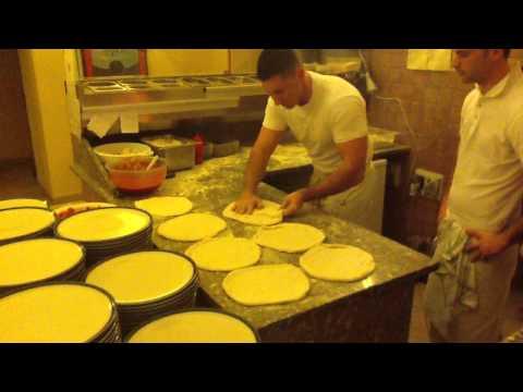 STESA DI 12 PIZZE IN 50 SECONDI CIRCA-how to make 12 pizzas in 50 seconds