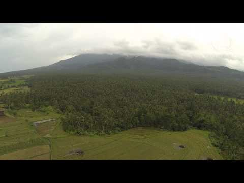 Mt Bulusan aerial video - it's due for a big eruption
