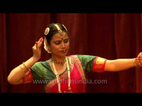 Bharatanatyam performance by Svetlana, Veena and Garima