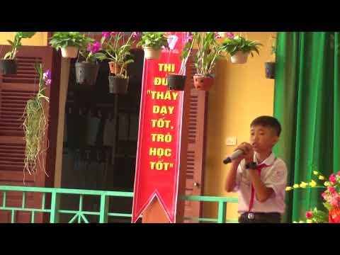 Trường Trung học cơ sở - Quài Cang , huyện Tuần Giáo  đón Cờ thi đua xuất sắc của bộ giáo dục và đào tạo