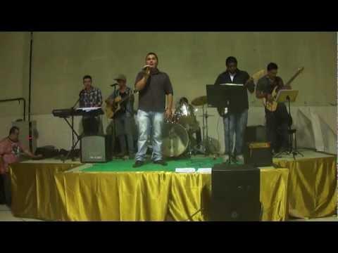 Guisão e Banda Cantando Descansarei Comunidade Maringá Na Festa Do Pastel Em Tapiraí-Sp