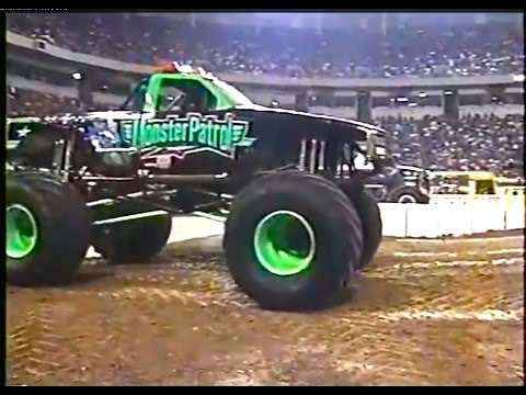 USHRA Monster Truck Challenge: Minneapolis Metrodome 1998 (Part 1)