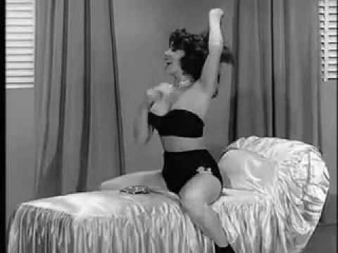 Blaze Starr in a high quality film from the 1950′s. Burlesque Strippere Strip