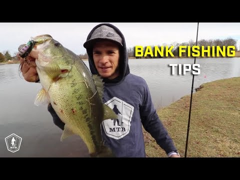 Catching BIG Spring Bass From The Bank! (видео)