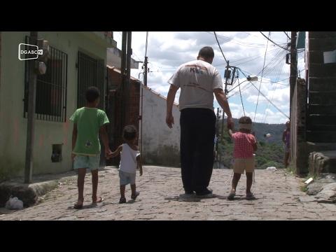 Após decisão judicial, famílias vão ter que sair da Vila Lavínia;
