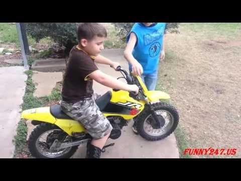 Little Babies on Motorcycles 2017 - Thời lượng: 4 phút, 11 giây.