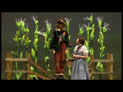 The Wizard Of Oz  -  Dorothy Meets Scarecrow Excerpt