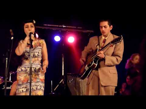 sunday best records - Kitty Daisy & Lewis - Polly Put The Keetle On - Concert du Samedi 24 Avril 2010 à Aulnoye-Aymeries -9eme Foire aux Disques et BD - LABEL SUNDAY BEST RECORDS ...