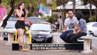 Video Morena calorenta tira a roupa para se refrescar e enfurece mulherada MP3, 3GP, MP4, WEBM, AVI, FLV September 2018