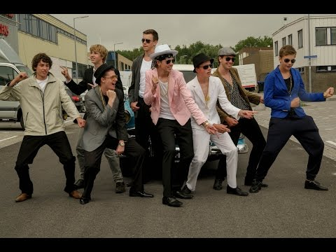 Video Mark Ronson - Uptown Funk ft. Bruno Mars Clip Cover (Meeles Brothers) download in MP3, 3GP, MP4, WEBM, AVI, FLV January 2017