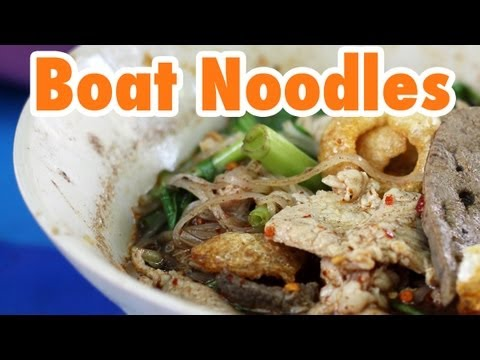 Bangkok's Victory Monument and Thai Boat Noodles (ก๋วยเตี๋ยวเรือ)