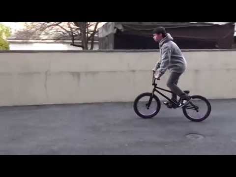 how to do a bunny hop - follow me on instagram@ flybiker96 http://www.facebook.com/Epicbmxdit sub to my new channel youtube.com/mrbmxyderz.