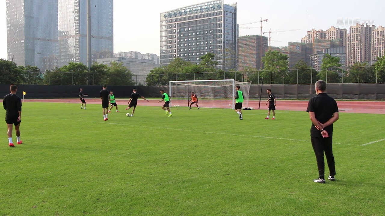 Fútbol informal en Nanning (21/3/2019)