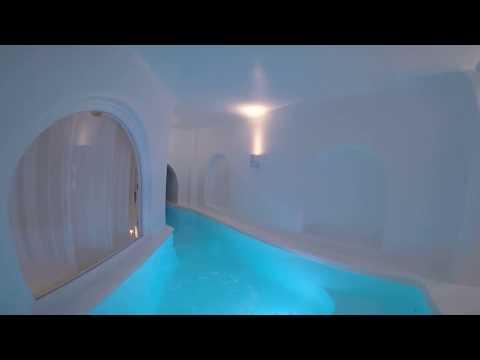 Приватный бассейн в номере греческого отеля