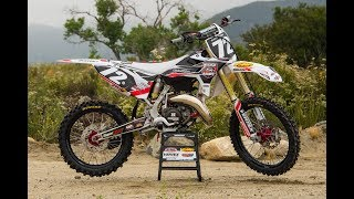 4. Racer X Films: Garage Build 2005 Yamaha YZ125