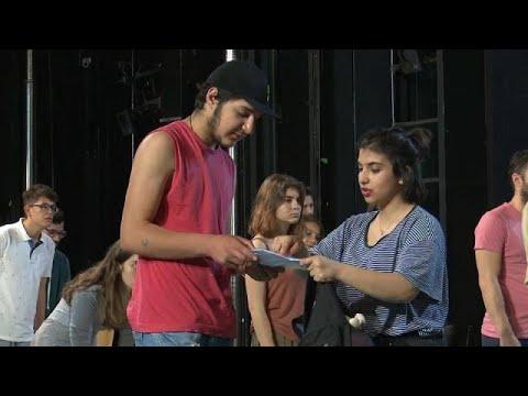 Flüchtlinge im Athener Theater: Von Träumen, die si ...