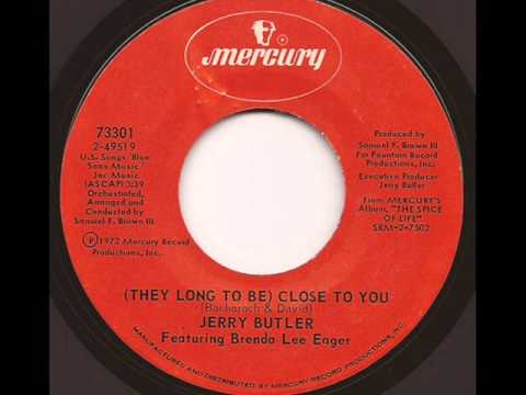 Tekst piosenki Jerry Butler - (They Long To Be) Close To You po polsku