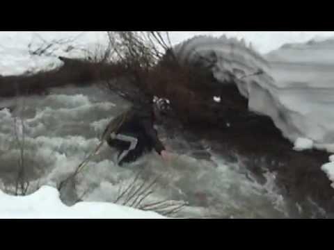 Fail! Salto sobre río y nieve