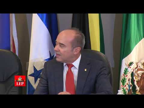 Varela asegura que Panamá vive una democracia