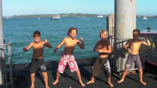 Russell New Zealand  City pictures : Russell New Zealand - Kids at the Wharf