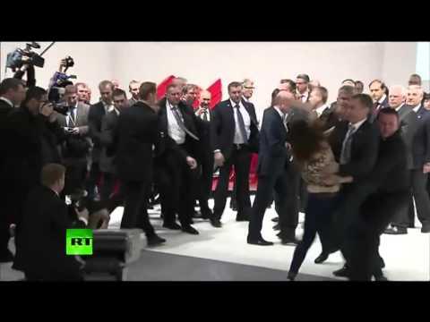 Нападения на Путина(Реакция охраны порадовала) (видео)