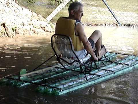лодка для рыбалки из бутылок