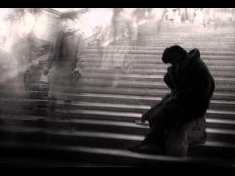 Tekst piosenki Nina Simone - That's Him Over There po polsku