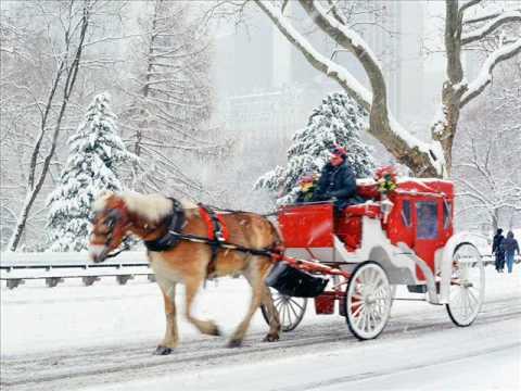 Tekst piosenki Christmas Carols - Sleigh Ride po polsku